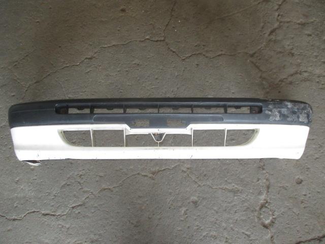 Бампер передний Toyota Corolla E11 1995-2000