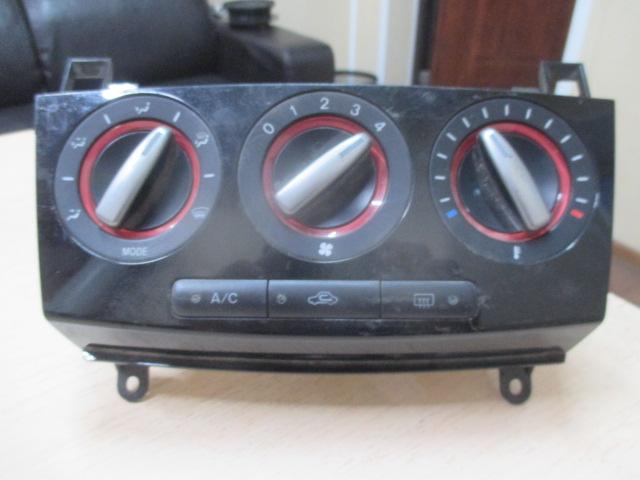 Блок управления отопителем Mazda 3 BK 2003-2009