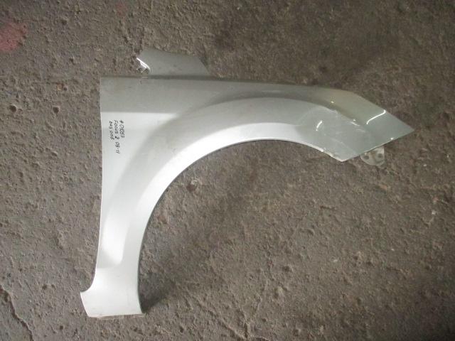 Крыло переднее правое без отв. Ford Focus 2 2008-2011