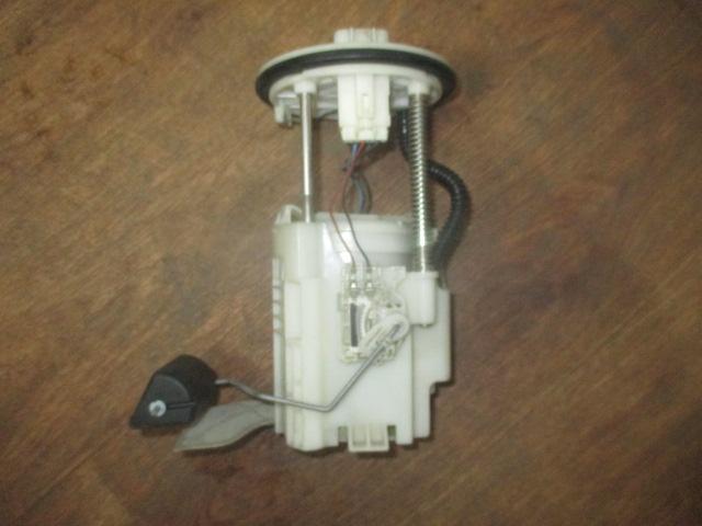 Насос топливный Camry V40 2006-2011