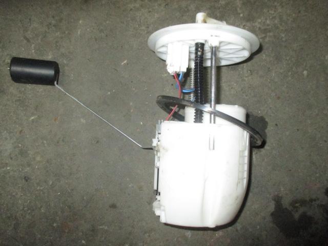 Насос топливный электрический 1.5-2.0 Mitsubishi Lancer 10
