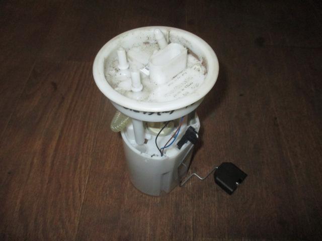 Насос топливный электрический VW Polo Sedan 2011-