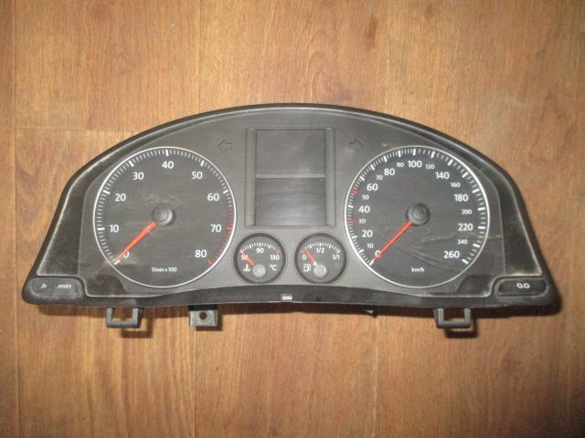 Панель приборов BSE МКПП VW Jetta 2006-2011