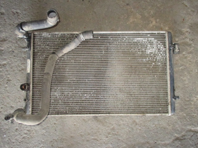 Радиатор основной 1.6 МКПП VW Golf 4 1997-2005