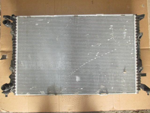 Радиатор основной 2.0 Audi Q5 2008-