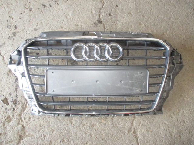 Решетка радиатора Audi A3 2013-