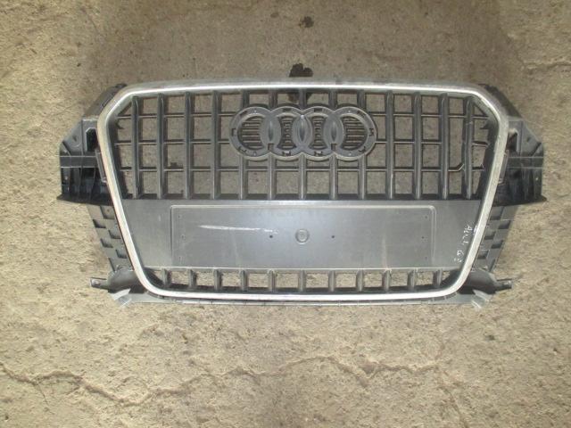 Решетка радиатора Audi Q3 2012-
