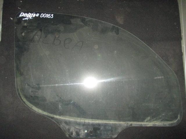 Стекло двери передней правой Doblo