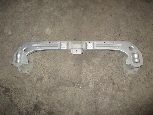 Усилитель переднего бампера Mitsubishi Outlander XL 2006-2012