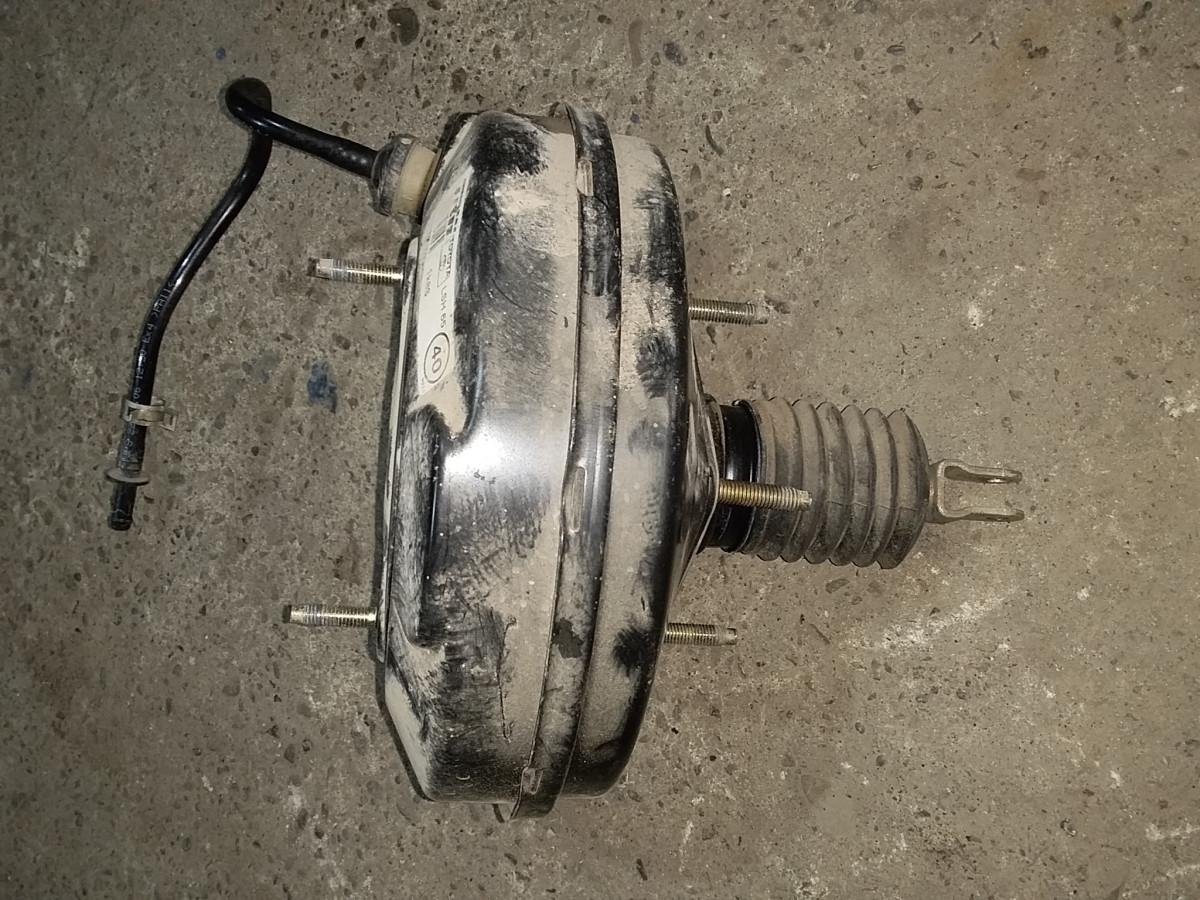 Усилитель тормозов вакуумный Toyota Corolla E120 2001-2006